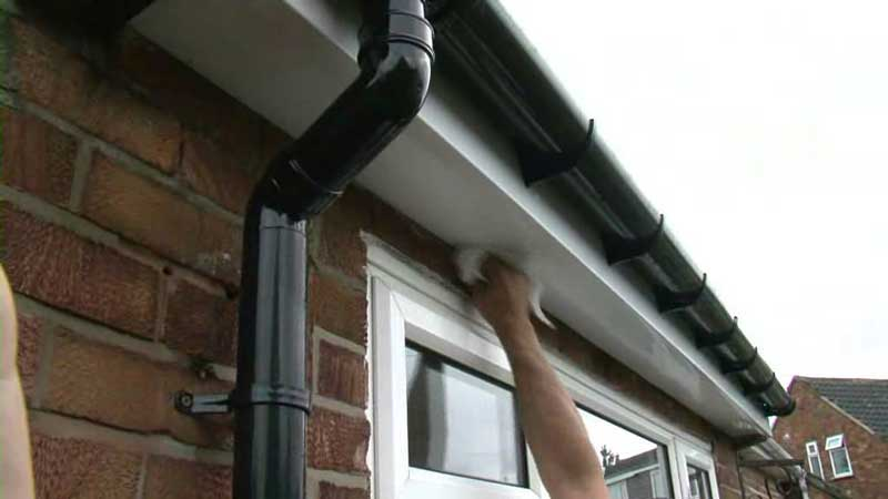 gutter cleaning and repair cost